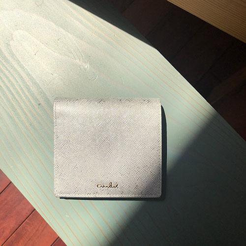 エアリスト レイ 二つ折り財布